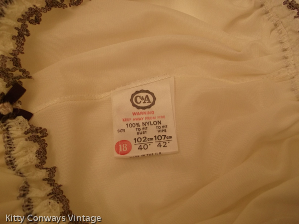 1960s/70s C&A baby doll nightdress label