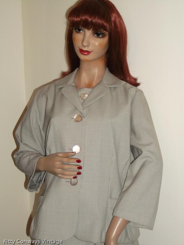 1950s/60s dress suit, close up of jacket