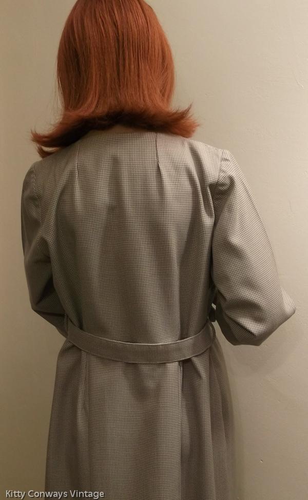 1950s/60s dress suit -back view