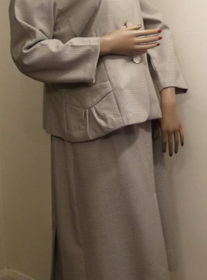 1950s/60s dress suit -side view