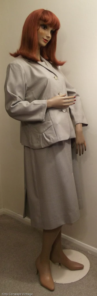 1950s/60s dress suit -side view