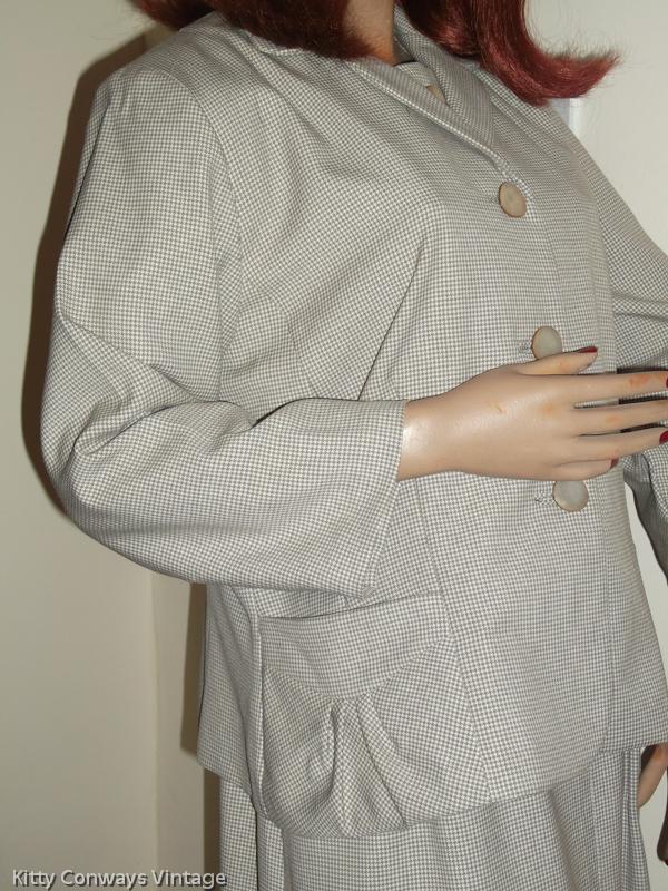 1950s/60s dress suit - jacket side view