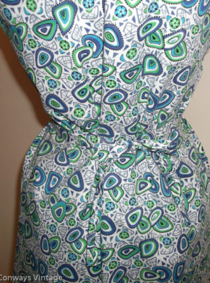 1960s blue green patterned apron - back middle
