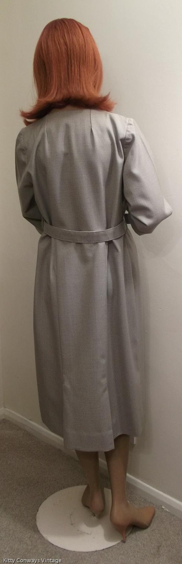 1950s/60s dress suit - back of dress